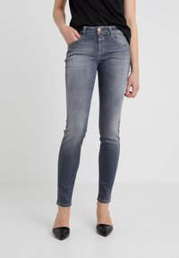 CLOSED - BAKER LONG - Jeansy Slim Fit - mid grey - 0