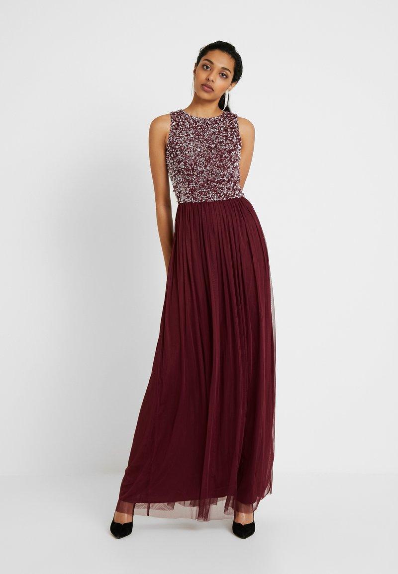 Lace & Beads Tall - PICASSO - Společenské šaty - burgundy