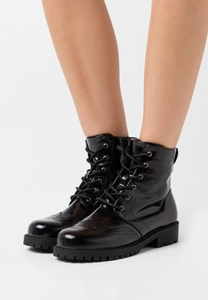 VMGLORIANOMI BOOT - Lace-up ankle boots - black