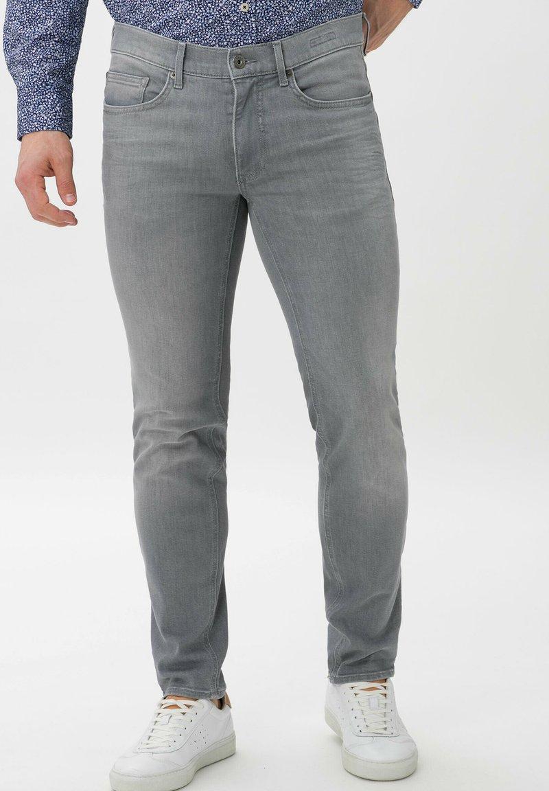 BRAX - STYLE CHRIS - Slim fit jeans - luminous grey used