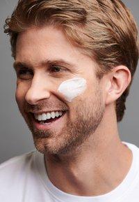 Dermalogica - ACTIVE MOIST - Face cream - - - 4
