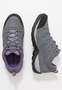 Columbia - REDMOND V2 WP - Outdoorschoenen - ti grey steel/plum purple - 1