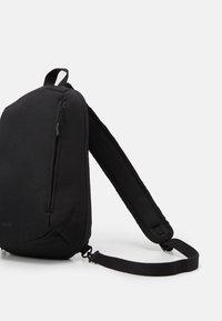 anello - ONE STRAP BAG SLOUCHY - Batoh - black - 3