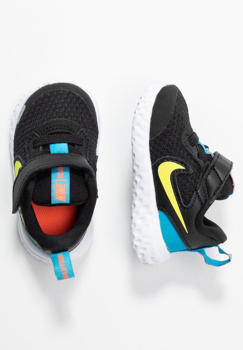 Nike Performance - REVOLUTION 5 UNISEX - Hardloopschoenen neutraal - black/lemon/laser blue/hyper crimson