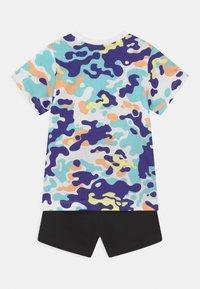 Puma - MINICATS CLASSICS SET UNISEX - Camiseta estampada - puma black - 1