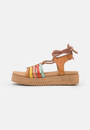 BILY - Sandály na platformě - multicolor