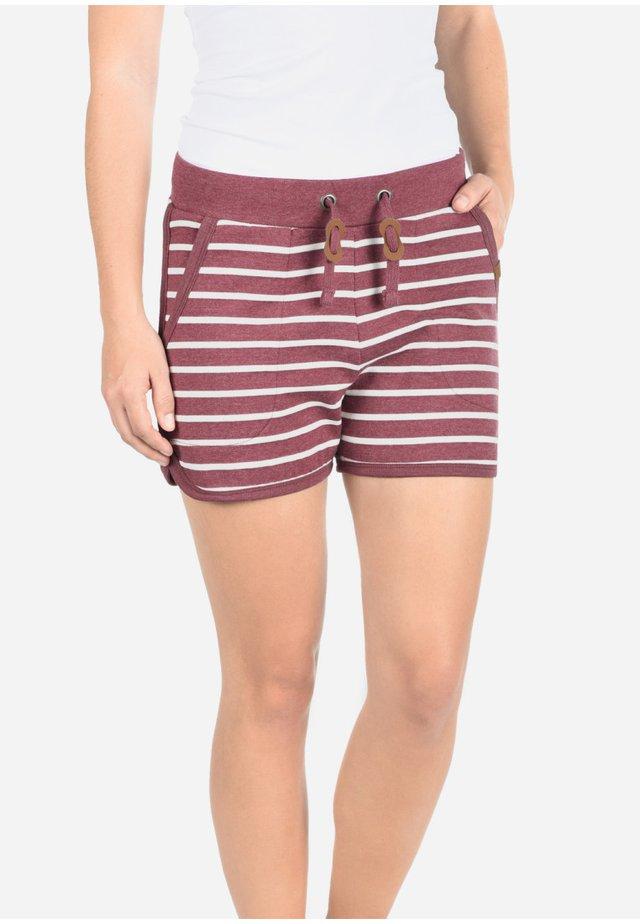 KIRA - Shorts - zinfandel