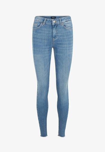 SKINNY FIT JEANS CROPPED - Jeansy Skinny Fit - light blue denim