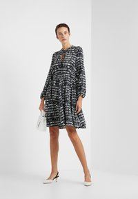 MAX&Co. - DIONISO - Korte jurk - black pattern - 1