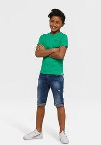 WE Fashion - WE FASHION JONGENS T-SHIRT - T-shirt basic - light green - 1