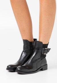 Laura Biagiotti - Kotníkové boty - black - 0