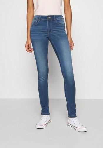 ONLULTIMATE KING LIFE - Jeans Skinny Fit - medium blue denim