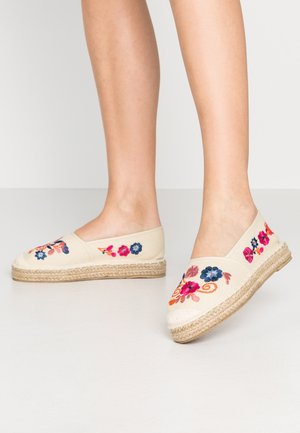 Loafers - stone