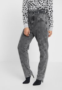 River Island Petite - PAPERBAG UTILITY  - Relaxed fit jeans - grey acid - 0