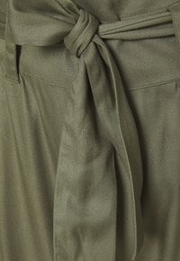 Simply Be - TIE WAIST TROUSERS WITH POCKETS - Trousers - khaki - 2