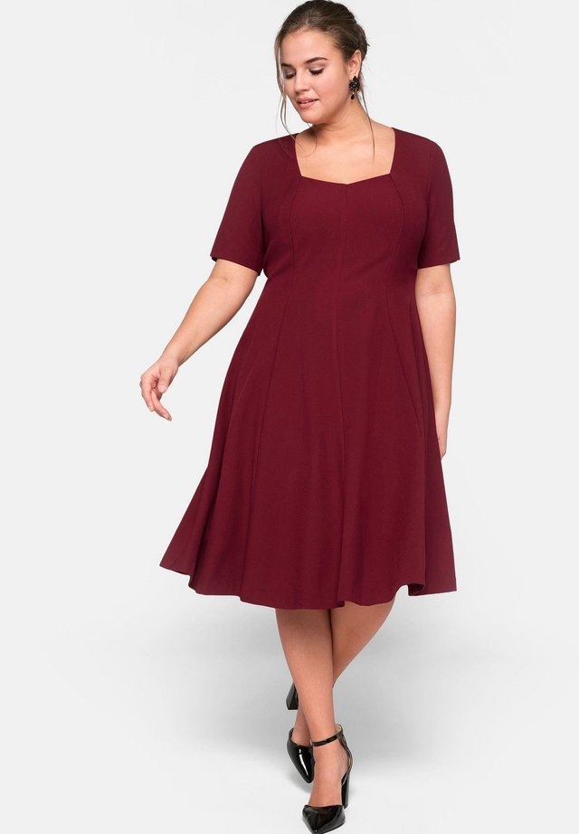 Day dress - ruby red