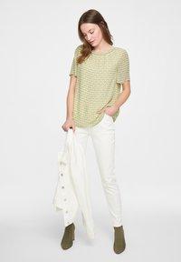 comma casual identity - Blouse - soft lime quatro - 0