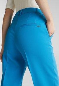 Esprit Collection - SHIMMER MIX + MATCH STRETCH-HOSE - Pantalon classique - dark turquoise - 4