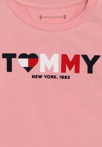 Tommy Hilfiger - BABY GIRL TEE - Long sleeved top - pink icing - 2