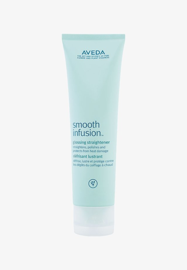 SMOOTH INFUSION™ GLOSSING STRAIGHTENER  - Produit coiffant - -