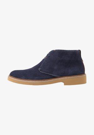 ARGUILL - Zapatos con cordones - navy