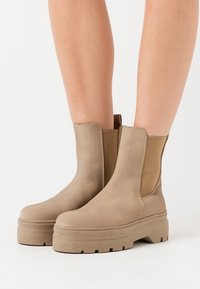 Pavement - VIOLA  - Platform ankle boots - nude - 0