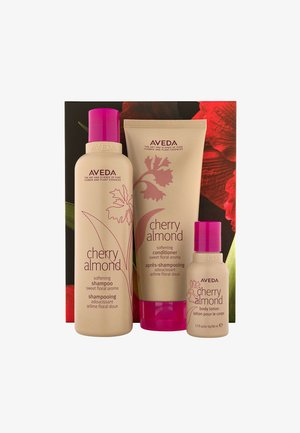 GIFT SET: YOUR SOFTEST HAIR & SKIN (CHERRY ALMOND) - Set pour les cheveux - -