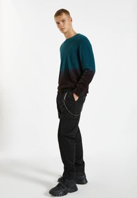 PULL&BEAR - Cargo trousers - black - 3