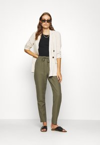 Saint Tropez - YOLANDA PANTS - Bukse - army green - 1