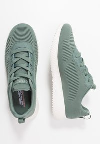 Skechers Wide Fit - BOBS SQUAD - Sneakers laag - green - 3