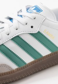 adidas Originals - SAMBA - Tenisky - footwear white/core grani - 5