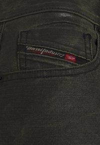 Diesel - D-STRUKT-A-SP2 - Slim fit jeans - olive - 2
