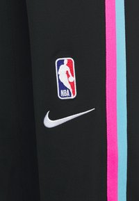 Nike Performance - NBA MIAMI HEAT CITY EDITION THERMAFLEX PANT - Tracksuit bottoms - black/laser fuchsia/blue gale - 5