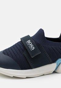 BOSS Kidswear - TRAINERS - Sneakers - navy - 5