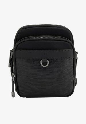 TRUCKER - Across body bag - black