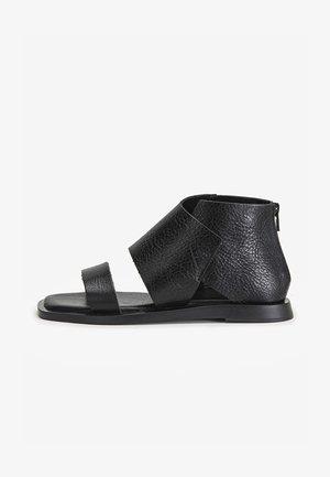 Sandały z cholewką - mntrl black nbl
