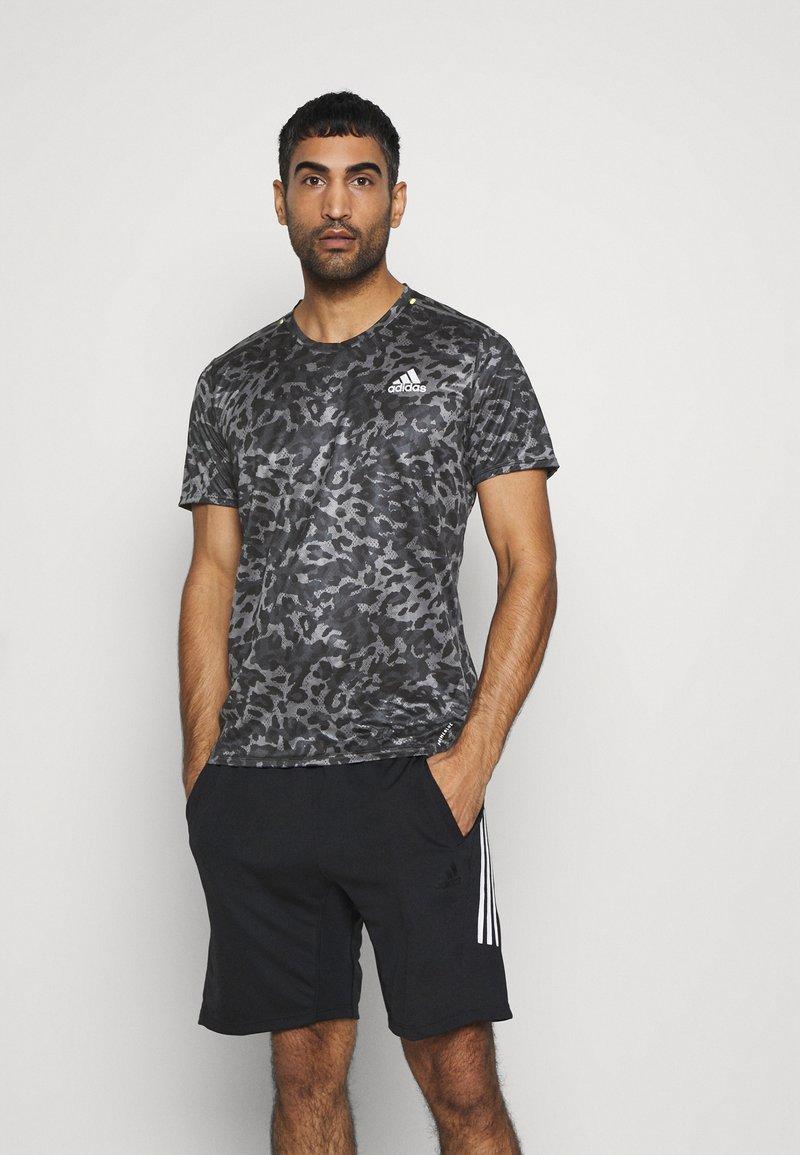 adidas Performance - TEE MEN - Print T-shirt - grey four