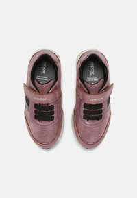 Geox - JENSEA GIRL - Sneakersy niskie - pink/black - 3
