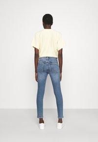 rag & bone - CATE MID RISE ANKLE WHITE LABEL - Jeans Skinny Fit - pismo - 2