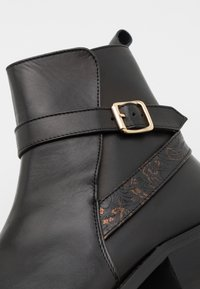 Walk London - HALO STRAP CUBAN - Bottines - black - 5