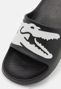 Lacoste - CROCO - Badslippers - black/white - 5