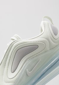 Nike Sportswear - AIR MAX 720 - Sneakersy niskie - lite bone/volt/white/reflect silver - 5