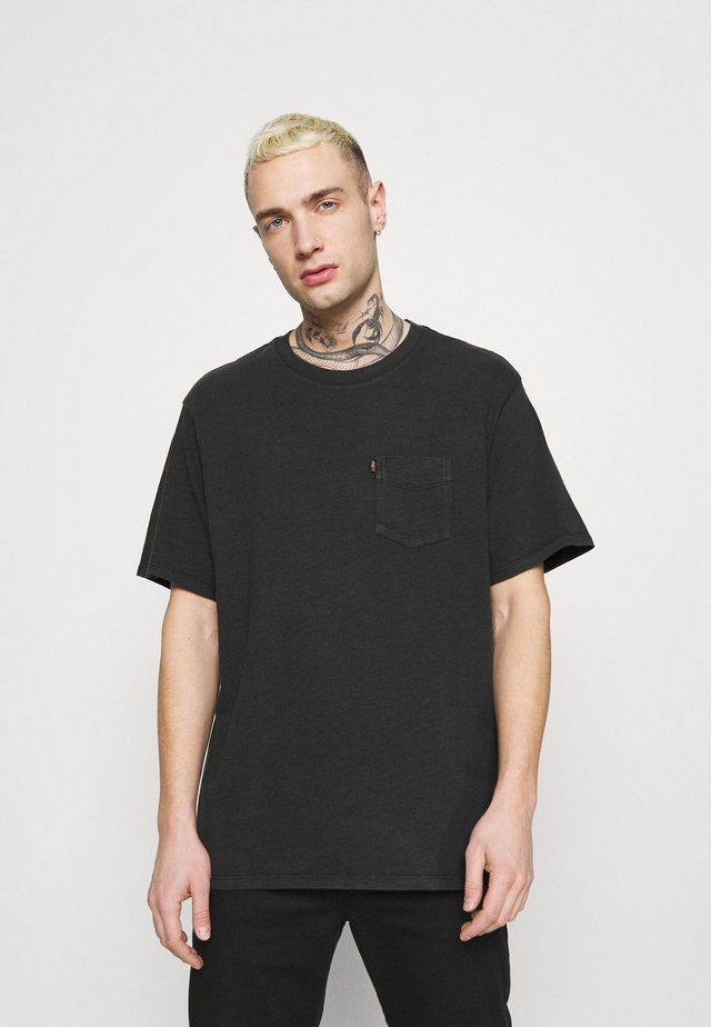 RELAXED FIT POCKET TEE - Basic T-shirt - blacks