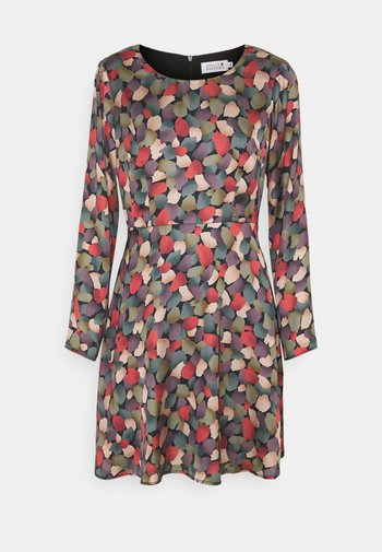 LADIES WOVEN DRESS - Kjole - greenpark khaki