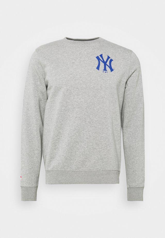 MLB NEW YORK YANKEESSUMMER CAMP GRAPHIC CREW - Sweater - sports grey