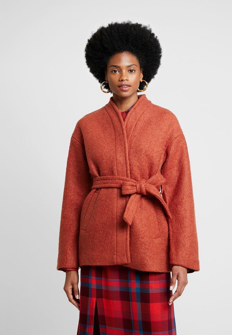 mint&berry - Short coat - orange