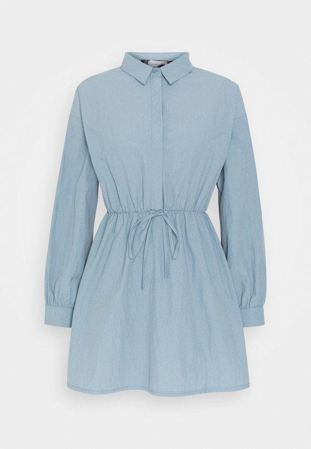 ELASTICATED TIE WAIST SHIRT DRESS - Shirt dress - grey