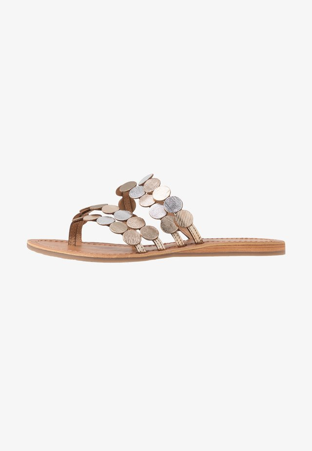 HOROND - T-bar sandals - or