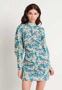 NA-KD - HIGH NECK ELASTIC DETAIL DRESS - Shift dress - yellow - 0