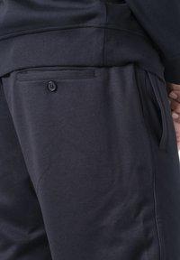 Armani Exchange - Pantaloni sportivi - black - 5
